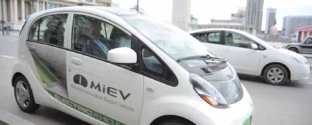 Хотын захиргаа цахилгаанаар ажилладаг машиныг туршилтаар ашиглана