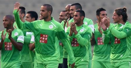 Алжирын баг ДАШТ-ний орлогоо газын зурваст байгаа хүмүүст хандивлана