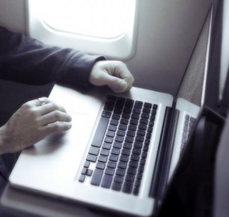 Хакерууд онгоцны нислэгийн чиглэлийг өөрчилж чадна гэдгээ илэрхийллээ