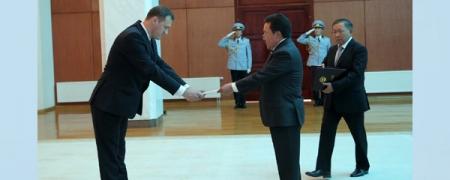 Беларусийн анхны Элчин сайдын яам Улаанбаатарт нээгдэж, Элчин сайд жуух бичгээ өргөн барилаа