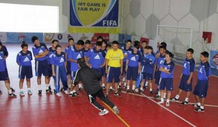 Азийн Хөлбөмбөгийн Холбооны зэрэглэлтэй дасгалжуулагчдыг бэлтгэнэ
