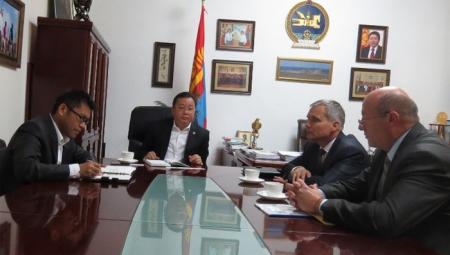 Г.Баярсайхан Словак улсад суугаа өргөмжит консулыг хүлээн авч уулзав