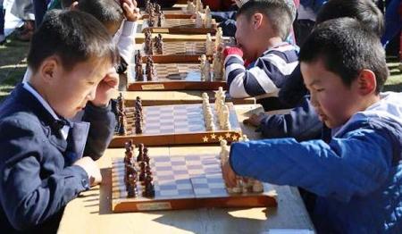 """""""Өсвөрийн Монгол шатарчин 9999"""" тэмцээний шигшээ тоглолтууд эхэллээ"""
