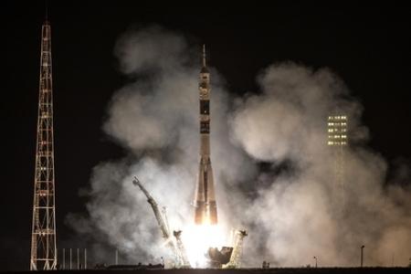 Өнөөдөр хөөргөсөн Союз ТМА-14М сансрын хөлгийн нарны эрчим хүч хураагуур гэмтжээ