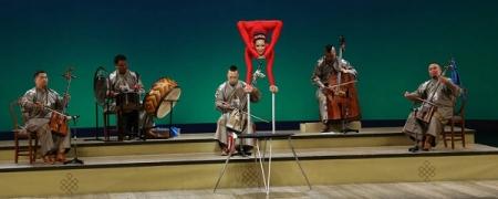 Монголчууд Японд ардын урлагаа сурталчилна