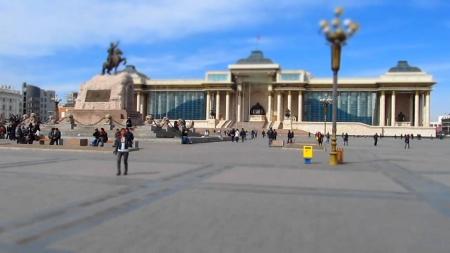Харилцаа холбооны салбарынхан Чингисийн талбайд иргэдэд үйлчилж байна