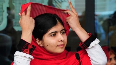 Малала охин Нобелийн Энхтайваны шагналыг хүртлээ
