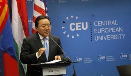 """Ц.Элбэгдорж """"Монголын ардчилалд шилжсэн зам, түүний сургамж"""" сэдэвт лекц"""