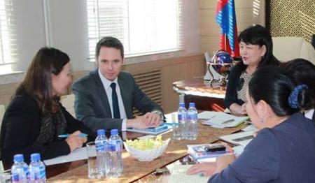 НҮБ-ын Хүүхдийн сангийн Монгол дахь суурин төлөөлөгчийг хүлээн авч уулзлаа
