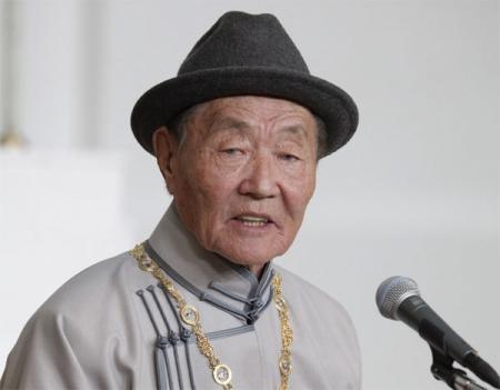 Чингисийн одонт Х.Намсрай залуу эрдэмтдэд сургаал айлдана