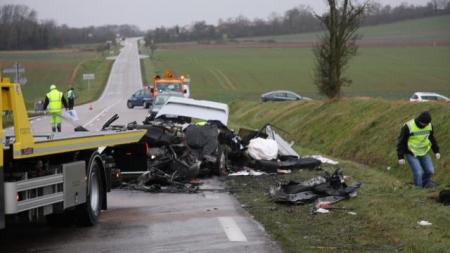 Францад зам тээврийн осол гарч, дөрвөн Монгол залуу амиа алджээ