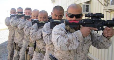 Хөгжилтэй цэргүүд