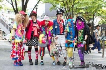 Японы гудамжин дахь хувцас загвар