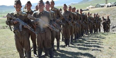 Оюутан цэргүүд энэ сарын 12-нд тангаргаа өргөнө