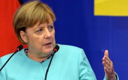 """Ангела Меркель """"Мөнхийн канцлер"""" болох уу"""