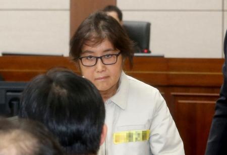 Чой Сун Шилийн охиныг баривчлах тушаал гарчээ