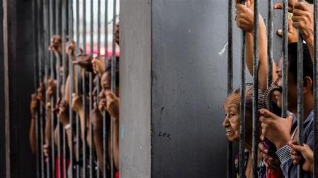 Бразилд 100 гаруй ялтан амь үрэгдлээ