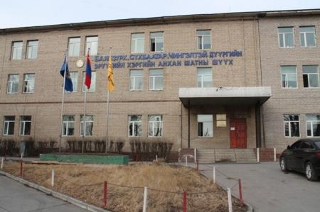 Шүүх хуралдааны танхимд амиа хорлохыг завдсан этгээдэд эрүүгийн хэрэг үүсгэжээ