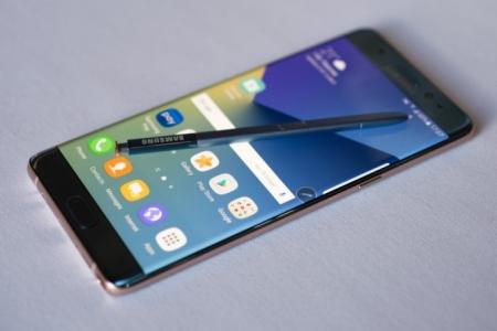 Galaxy Note 7 утасны дэлбэрэлтийн шалтгаан тодорхой болжээ