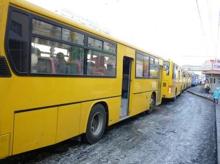 """Ирэх амралтын өдрүүдэд """"Нарантуул"""" руу нэмэлт автобус үйлчилнэ"""