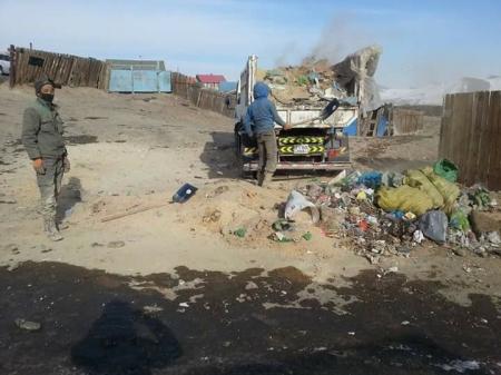 Сар шинийг угтан 21.7 тонн хог хаягдлыг цэвэрлэжээ