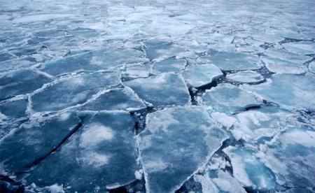 Гол мөрний мөсөн дээгүүр зорчихгүй байхыг анхааруулав