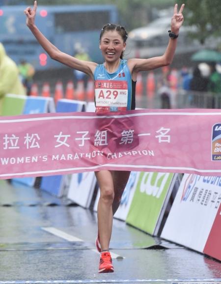 Б.Мөнхзаяа олон улсын марафонд түрүүлжээ