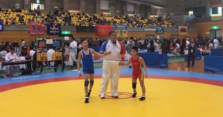 Өсвөрийн бөхчүүд Японоос гурван хүрэл медаль хүртэв