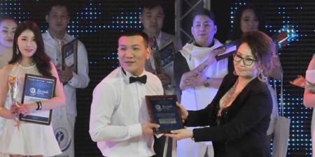 Дуучин Б.Оргил олон улсын фестивалиас шагнал хүртлээ