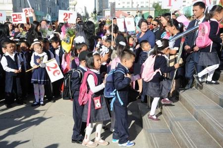 Ирэх хичээлийн жилд нэгдүгээр ангид 32623 хүүхэд элсэн суралцана