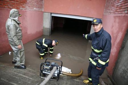 Усанд автсан иргэдийн аюулгүй байдлыг ханган ажиллав