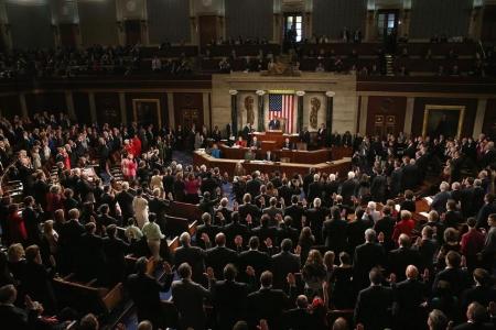 Төсвөө батлахгүй саатуулсан конгрессын гишүүдийн цалинг 1$ болго гэв
