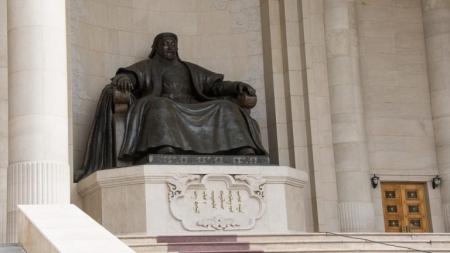 Чингис Хааны онгон олдоогүйн учир