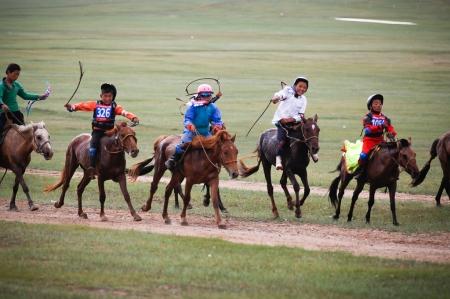 Төвийн бүсийн хурдан морины уралдаан Хүй долоон худагт болно