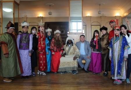 Р.Билгүүн: Монголд суралцахаар S ангиллын виз авсан 1400 орчим иргэн байна
