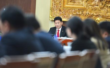 У.Хүрэлсүх: Төрийн албаны сахилга, дэг журам, хариуцлагыг сайжруулна