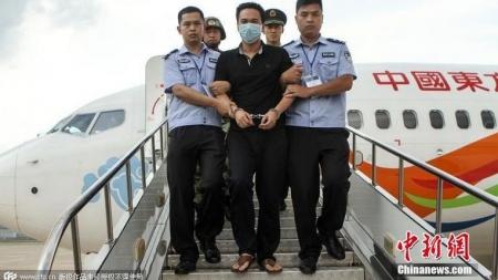 """""""Үнэгний ав"""" буюу Хятад улс зугтсан авлигачдаа хэрхэн эргүүлж авч ирдэг вэ"""
