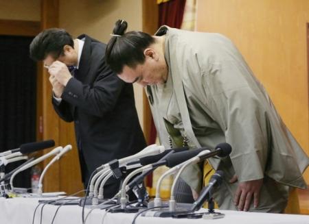 Цалингүй, эмэгтэйчүүдгүй амьдрал буюу Японы сүмод цаашид юу болох вэ