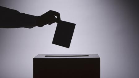 Сонгуулийн хуульд дахин гар хүрнэ