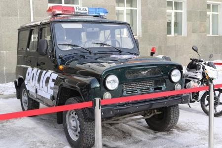 """""""Шилдэг хэсгийн төлөөлөгч""""-ийг """"УАЗ-469"""" автомашинаар шагнажээ"""