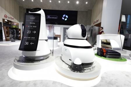 """""""CES 2018"""" үзэсгэлэнд LG Electronics шилдгийн шилдэг өргөмжлөлийг хүртсэн гэр ахуйн цахилгаан бүтээгдэхүүнүүд болон роботуудын хамт оролцлоо"""