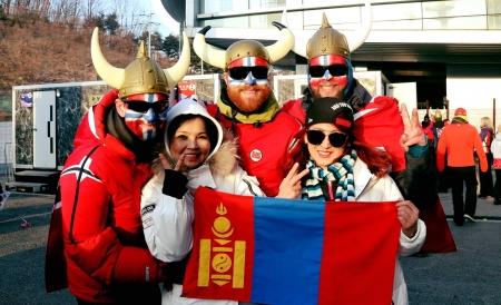 """ФОТО: """"Пёнчан 2018"""" наадмын хөгжөөн дэмжигчид"""