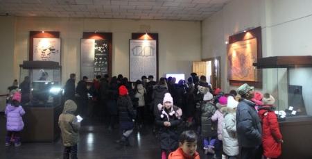Үзмэрийн болоод үзэгчдийн тоо нь урвуу хамааралтай үндэсний музейнууд