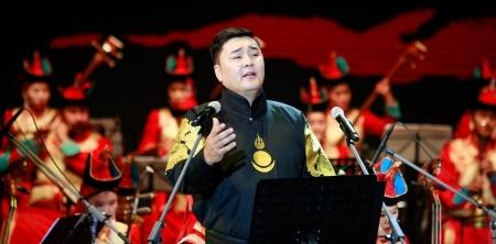 """Г.Ариунбаатар гавьяатыг """"Монголын тал нутаг"""" дууг зөвшөөрөл авч дуул гэжээ"""