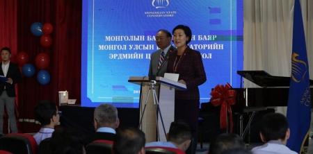 Монгол Улсын Консерваторит дөрвөн ширхэг гранд төгөлдөр хуур бэлэглэв