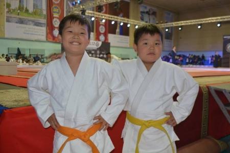 Н.Түвшинбаяр аваргын хоёр хүү олон улсын тэмцээнээс хүрэл медаль хүртэв