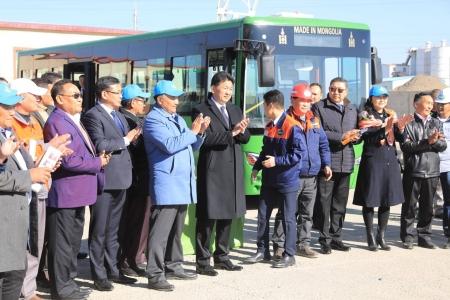 """Монгол инженерүүдийн бүтээсэн """"Мон-30"""" автобус үйлчилгээнд явж эхэллээ"""