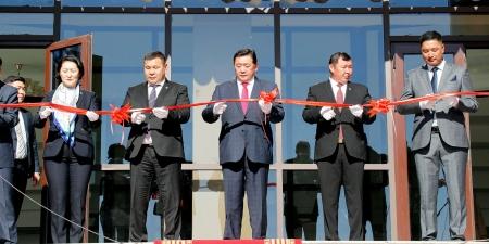 """""""Монгол туургатан"""" театрын шинэ барилга үүд хаалгаа нээлээ"""
