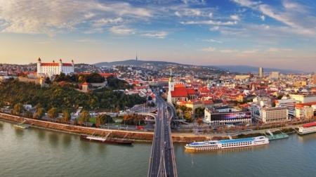 Словак улсын Засгийн газрын тэтгэлэгт хөтөлбөр зарлагдлаа