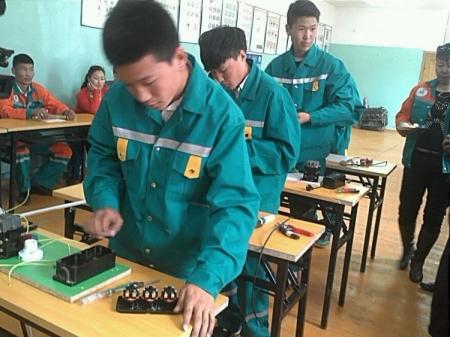 Монгол залуус эзэмшсэн мэргэжлээрээ Дэлхийн ур чадварын олимпд оролцоно